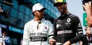 Lewis Hamilton y Daniel Ricciardo en una imagen de archivo - SoyMotor.com