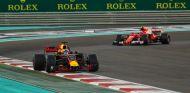 Ricciardo rodó delante de Räikkönen hasta su abandono - SoyMotor