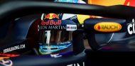 Daniel Ricciardo durante los test en Barcelona - SoyMotor.com