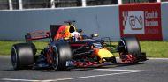 Daniel Ricciardo en los tests del Circuit de Barcelona-Catalunya - SoyMotor