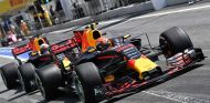 Daniel Ricciardo y Max Verstappen en Barcelona - SoyMotor
