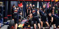 Parada en boxes de Daniel Ricciardo – SoyMotor.com