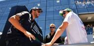 Horner espera que Pérez ofrezca el mismo nivel que Ricciardo en Red Bull - SoyMotor.com
