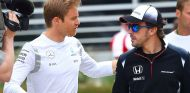 Nico Rosberg y Fernando Alonso en Baréin - SoyMotor.com