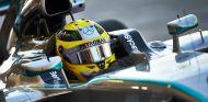 Nico Rosberg a los mandos de su Mercedes W05 - LaF