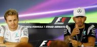 Nico Rosberg y Lewis Hamilton en Abu Dabi - SoyMotor.com
