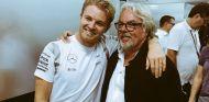 Nico y Keke Rosberg, tras el Gran Premio de Abu Dabi - LaF1