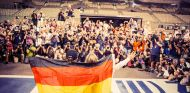 Nico Rosberg celebra el Mundial en Abu Dabi - LaF1