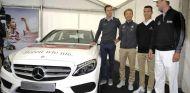 Rosberg se salva de un accidente con la selección alemana de fútbol - LaF1