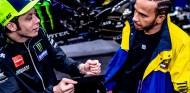 El intercambio Rossi-Hamilton quedará retratado en un documental - SoyMotor.com