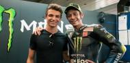 Valentino Rossi confiesa ser fan de Norris y Albon - SoyMotor.com