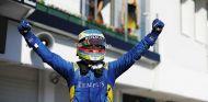 Rowland gana con polémica y Leclerc minimiza daños - SoyMotor.com