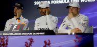 Daniel Ricciardo, Lewis Hamilton y Valtteri Bottas - SoyMotor