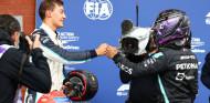 Hamilton felicita a Russell tras la clasificación del GP de Bélgica F1 2021 - SoyMotor.com