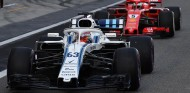 George Russell y Sebastian Vettel - SoyMotor.com