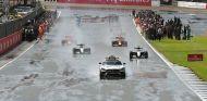 Inicio de la vuelta de formación en Silverstone - LaF1