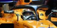 Carlos Sainz, con el MCL33 en Yas Marina - SoyMotor.com