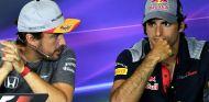 """Sainz: """"Veo a Alonso compitiendo hasta los 40 si mantiene las ganas"""" - SoyMotor.com"""