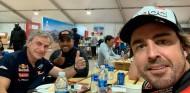 """Alonso celebra el tercer Dakar de Sainz: """"¡Enhorabuena, Matador!"""" - SoyMotor.com"""