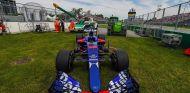 El coche de Carlos Sainz tras la avería de los Libres 1 - SoyMotor