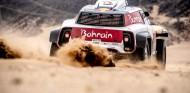 Sainz, contento con el inicio del Dakar pese a un pinchazo - SoyMotor.com