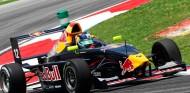 Diez años de la primera victoria de Sainz en monoplazas - SoyMotor.com