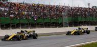 Carlos Sainz y Nico Hülkenberg en Interlagos - SoyMotor.com
