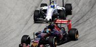 Carlos Sainz por delante de Massa en Sepang - LaF1