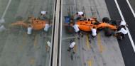 Carlos Sainz vuelve al garaje - SoyMotor.com