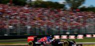Después de cuatro carreras sin hacerlo, Sainz pudo ver la bandera cuadriculada en Italia - LaF1