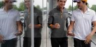 """Sainz disfruta del """"buen rollo"""" con Norris, pero """"la pelea sigue ahí"""" - SoyMotor.com"""