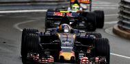 Carlos Sainz por delante de Sergio Pérez en Mónaco - LaF1
