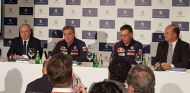 Sainz y Cruz durante un evento con Peugeot en Madrid - SoyMotor