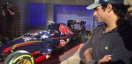 Sainz, instantes antes de comenzar la presentación del GP de España en Madrid - SoyMotor