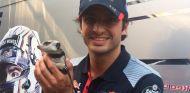 Carlos Sainz y su nuevo mejor amigo - SoyMotor