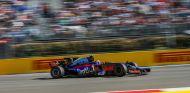 Sainz espera poder pilotar un coche capaz de ganar carreras en el futuro - SoyMotor.com