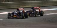 Sainz es el compañero que más empujó a Verstappen, según Brundle - SoyMotor.com