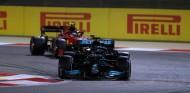 Sainz se rinde ante Hamilton y su ausencia de puntos débiles como piloto - SoyMotor.com