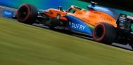 Sainz se enfrenta a una sanción por obstaculizar a Giovinazzi - SoyMotor.com