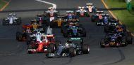 Lewis Hamilton quiere agitar un poco el formato de los Grandes Premios - LaF1