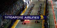 Salida de la carrera del GP de Singapur F1 2017 - SoyMotor.com