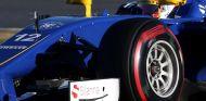 Felipe Nasr durante los test de Montmeló - LaF1