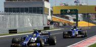Wehrlein y Ericsson durante el GP de Hungría - SoyMotor.com