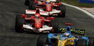 Fernando Alonso y Michael Schumacher en 2006 - SoyMotor