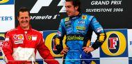 Michael Schumacher y Fernando Alonso en Silverstone - SoyMotor.com