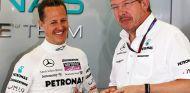 Michael Schumacher y Ross Brawn en una imagen de archivo - SoyMotor