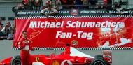 El Ferrari F2002 de Schumacher, a subasta en el GP de Abu Dabi - SoyMotor.com