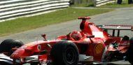 Schumacher celebra su victoria en el GP de Italia de 2006 - SoyMotor