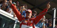 Michael Schumacher en el podio de Monza - SoyMotor