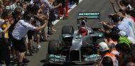Kehm confirma que Schumacher continúa despertándose del coma